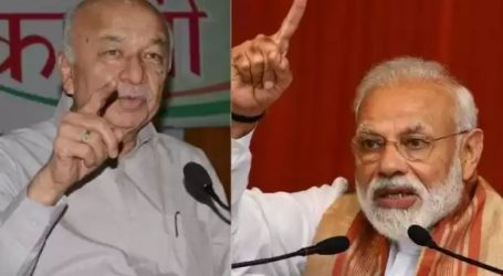 सुशील कुमार शिंदे बोले-नौकरी,किसानों के बजाय'हिंदू आतंकवाद'की बात करते हैं नरेंद्र मोदी