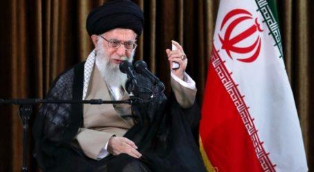दुश्मन को अभी एक थप्पड़ लगा है,ईरान दुनिया के गुंडों से मुकाबला के लिए तैयार है:अयातुल्ला ख़ामेनई