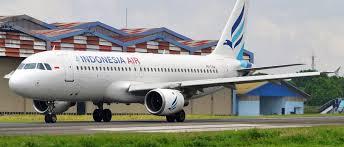 इंडोनेशिया एयरलाइंस विमान का कुछ ही  मिनटों में टूटा संपर्क ,यात्री विमान लापता .