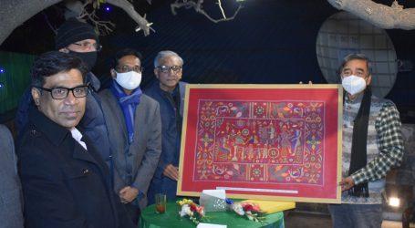 बांग्लादेश के प्रेस सेक्रेटरी फरीद हुसैन के अलविदाई समारोह में PCI की  तरफ से मोमेंटों और शाल पेश की  गई।