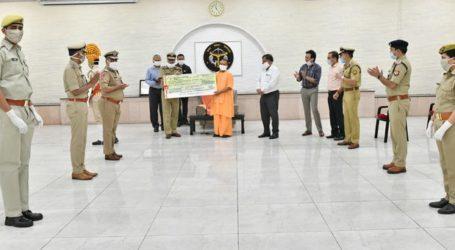 उत्तर प्रदेश पुलिस ने सीएम कोविड19 फंड में दी 20 करोड़ की धनराशि