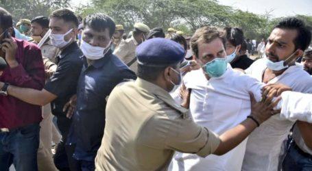 हाथरस पैदल जा रहे राहुल गांधी जमीन पर गिरे, बोले- पुलिस ने मुझे धक्का दिया और लाठियां मारी.