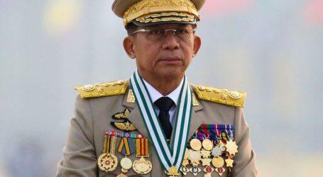 म्यांमार में सैन्य तख्तापलट के प्रमुख ने देश में आपातकाल की स्थिति बढ़ा दी और खुद प्रधानमंत्री बन गए